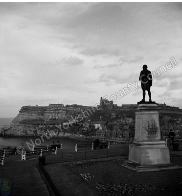 Whitby, Cook Monument